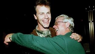 Rosenborg og Rune Bratseth vil beholde Nils Arne Eggen frem til Âr 2000.